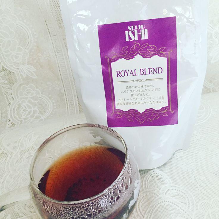 成城石井 ロイヤルブレンド。紅茶のプロの書籍に成城石井の紅茶は質がいいとあったので初挑戦。アッサム・キャンディ・キームンのブレンド。アッサム・キームンが入っているからミルクとの相性もいいとされているけど、個人的にはいまいち。キームンのスモーキーさがあるからストレートの方が美味しいと思う。朝食のピーナッツバタートーストと一緒に飲むと、もったり感が流れてスッキリ。同じように濃いめのスイーツとの相性もいいはず。