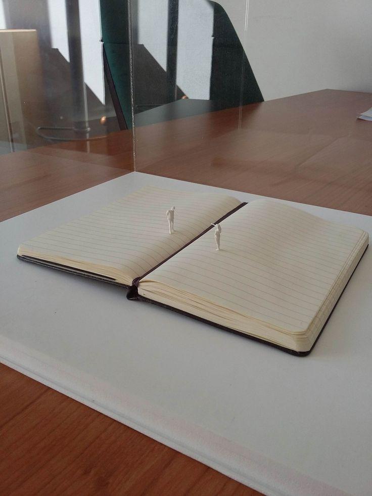 Alex Pinna, teatro, paper resin and plexiglass, 30X24X26, 2012