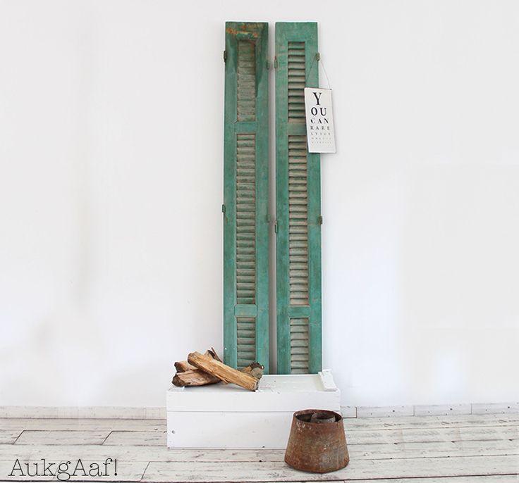 Antiek fris louvre luik!  De mooiste antieke louvre luiken vind je bij @aukgaaf! Kom gerust een kijkje nemen bij onze winkel of webshop! www.aukgaaf.com