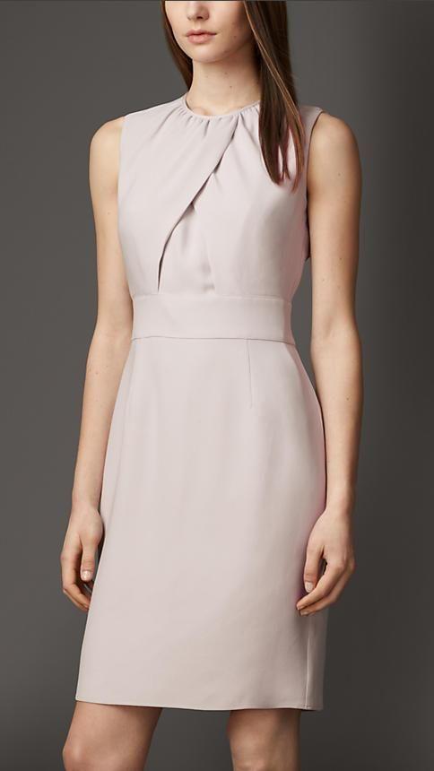 Os vestidos que deveriam fazer parte de qualquer guarda-roupas                                                                                                                                                                                 Mais