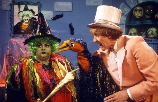 """The Pink Windmill Show - Grotbags, Rod Hull  Emu. """"There's somebody at the door!"""""""