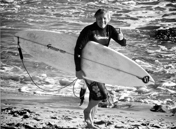 wayne dean surfer - 600×441