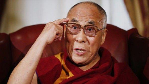 """V debatě u kulatého stolu se brazilský teolog Leonard Boffa zeptal tibetského dalajlámy: """"Vaše [...]"""