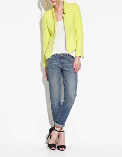 I just scored this blazer at Zara! The picture does not do it justice, as the jacket is a really soft and pretty neon yellow color. Love it! And I am not ashamed to say it loud and proud that I love bright and bold colors!