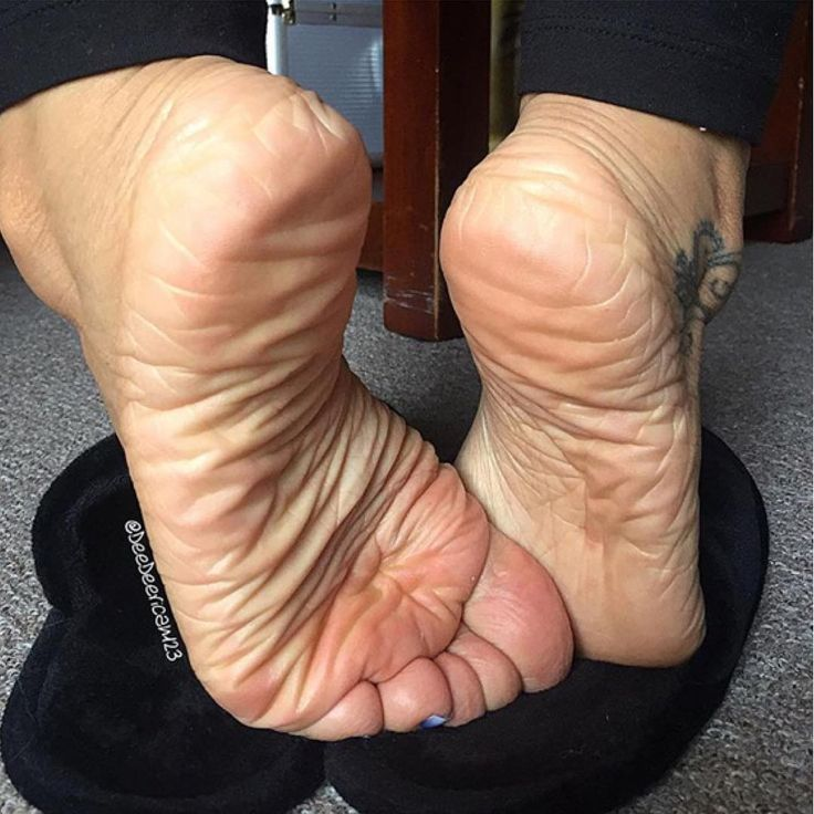 slipper footjob