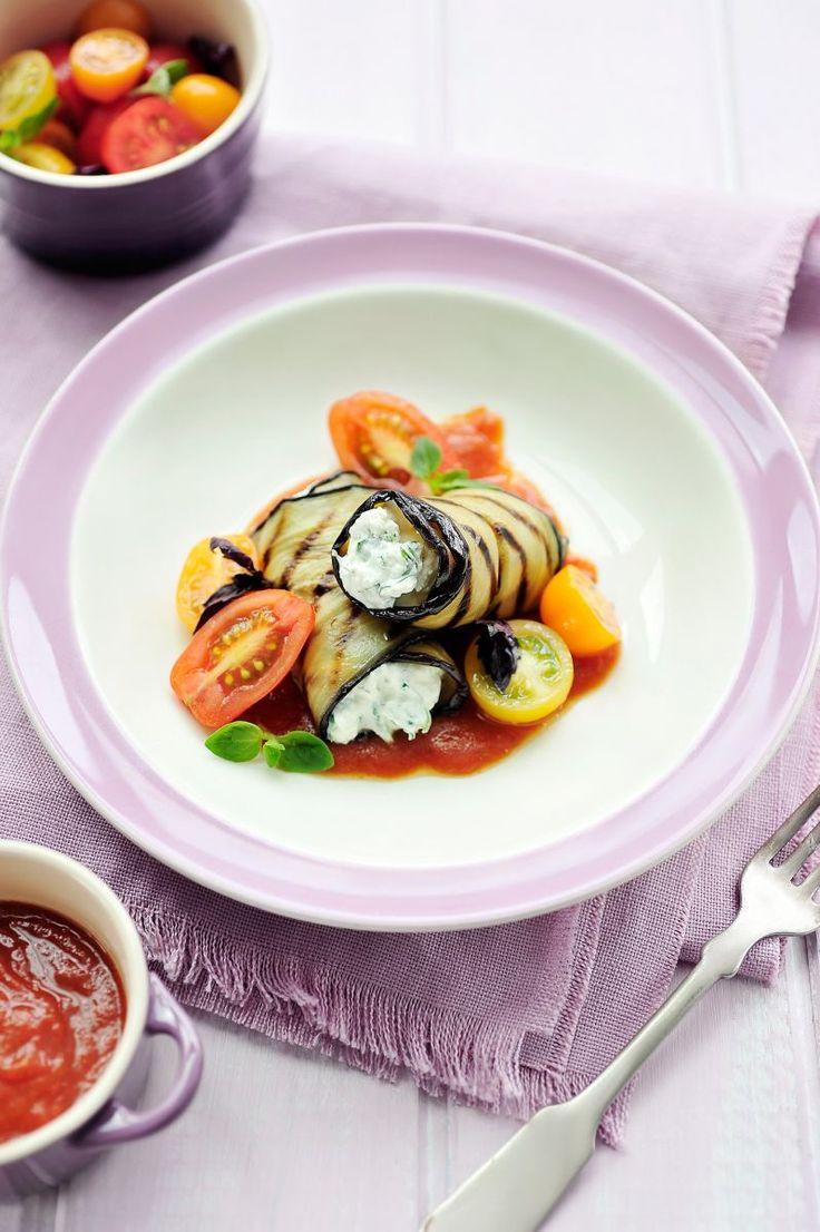 Gegrilde auberginerolletjes met ricotta  https://njam.tv/recepten/gegrilde-auberginerolletjes-met-ricotta