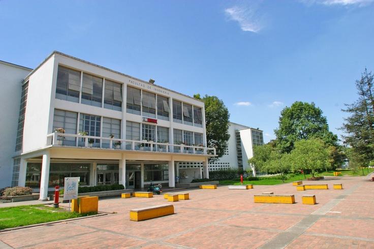 Entrada Principal - Edificio Antiguo - 2005