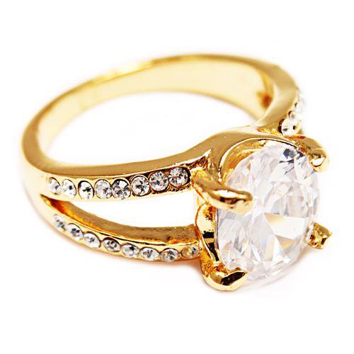 Anello d'oro II. Disponible en tallas internacionales: 6, 7, 8 y 9.