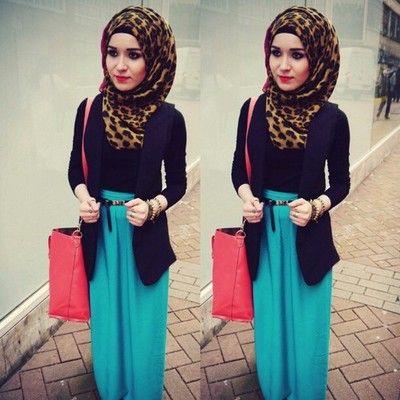 nabiilabee: Yesterdays outfit skirt/newlook bag/accessorize scarf/ @hijabjunkie blazer/newlook #nabiilabee #hijabi #instafashion #wiwt #maxiskirt #acessorize #blazer #birmingham #algerian #russian