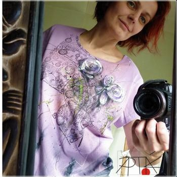 hand painted T-shirt by Apták