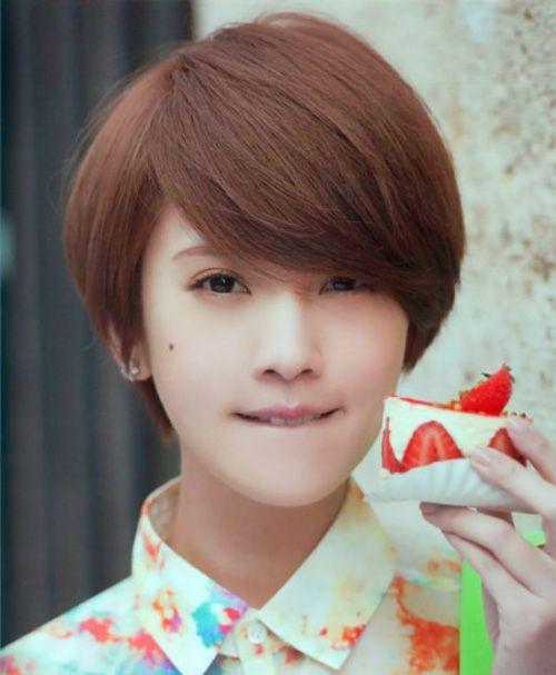 Cute Short Korean Bob Haircut with Bangs