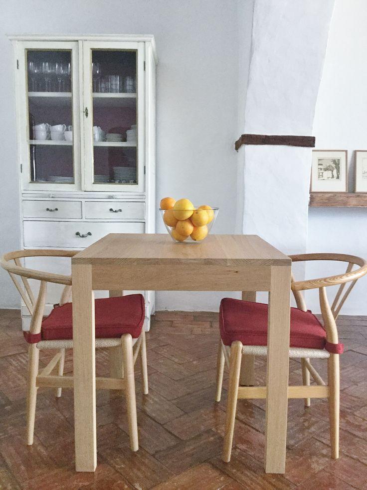 interior breakfast area