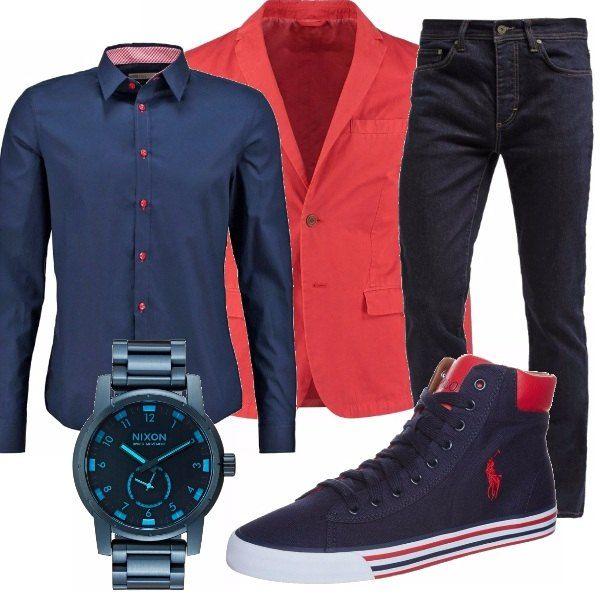 Outfit casual per ogni giorno. Jeans e camicia resi più fashion dalla giacca rossa e dalle sneaker alta bicolor. il tocco finale è l'orologio in acciaio blu. Sicuramente vi noteranno!