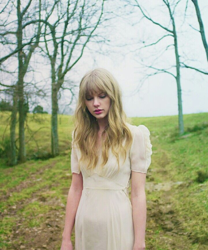 Taylor Swifts Safe and Sound music video is so unique!