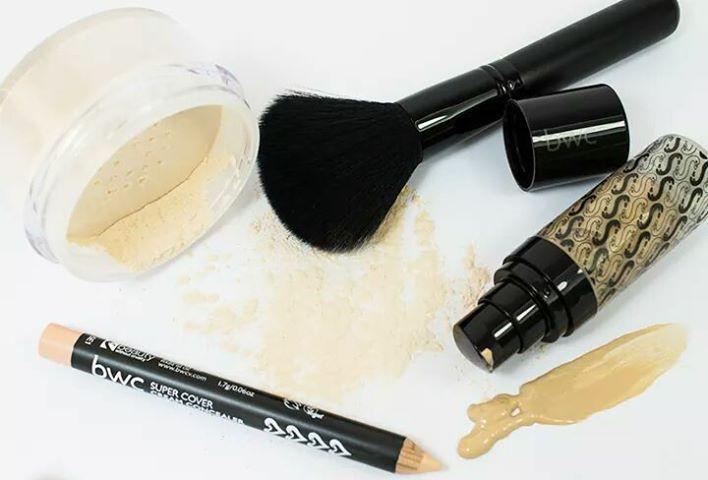 Τα προιόντα μακιγιάζ της Beauty Without Cruelty είναι απαλά με το δέρμα σας και χαρίζουν φυσική και ομοιόμορφη κάλυψη. Βρείτε το #makeup #concealer & #πούδρα που σας ταιριάζει εδώ: http://livingcrueltyfree.gr/product-category/women/make-up/natural-cover/ #crueltyfree #vegan