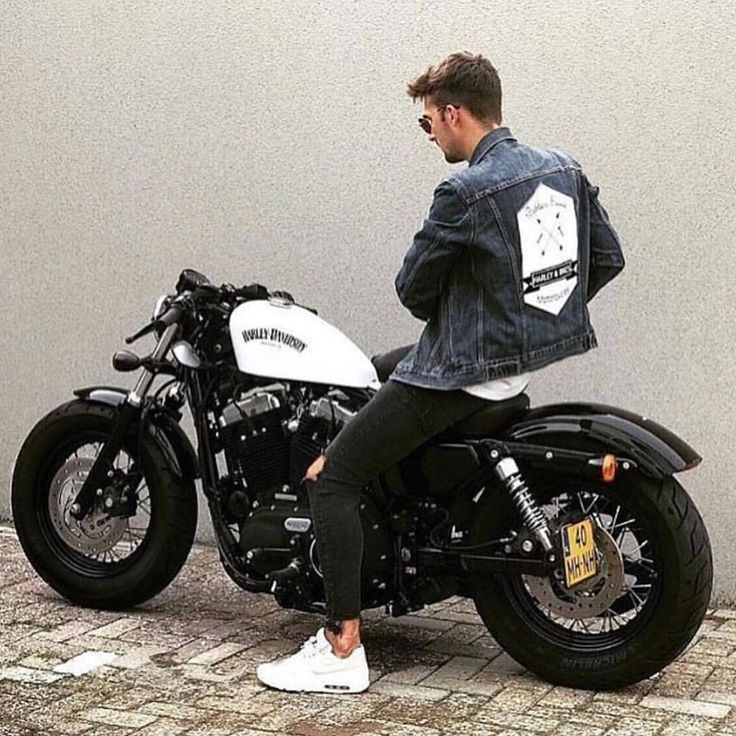 """782 Likes, 9 Comments - Bratstyle & Caferacer Comunity (@bratbike) on Instagram: """"Love this bike FOR A STEP BY STEP GUIDE TO CAFERACER BUILDS SUBSCRIBE TO OUR YOUTUBE CHANNEL :…"""""""
