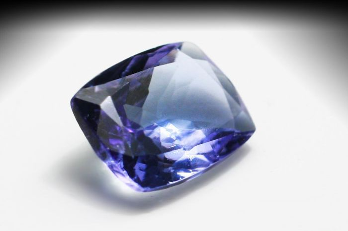 Catawiki online auction house: Tanzanite – 3.20 ct