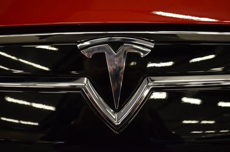 Tesla Ottawa Autoshow