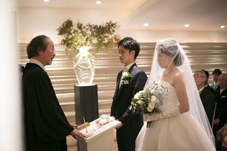 大切な人たちの前で誓いを立てる 結婚式で一番大切な時間。