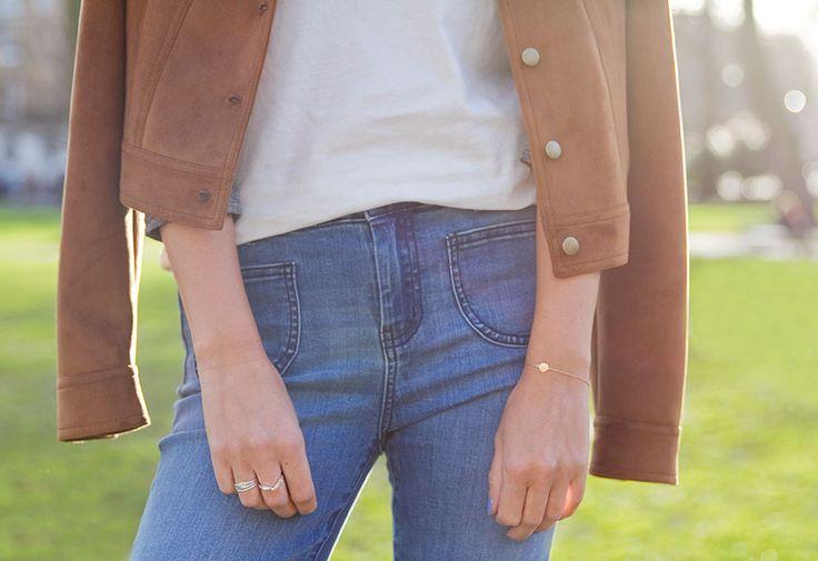 blauwe spijkerbroek in retrostijl