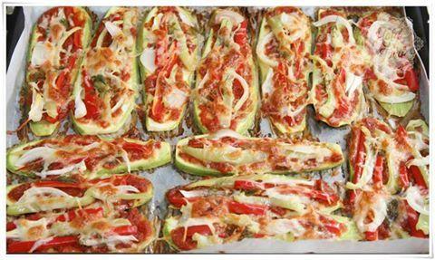 Eğlenceli ve ssağlıklı kabak pizza.Lezzeti ve hafif içeriğiyle hem sizin için hem de çocuklarınız için muhteşem bir yaz alternatifi.
