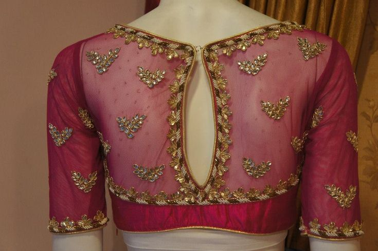 Kundan work blouse, elegant, classy and with the perfect amount of bling for a ride who doesn't want too much. #indianwedding, #shaadishop