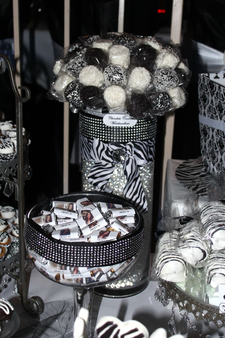 black white candy table