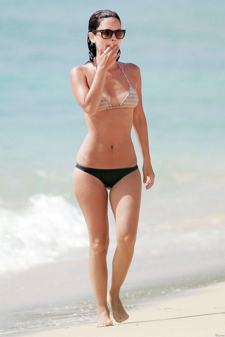 Rachel Bilson bikini body workout
