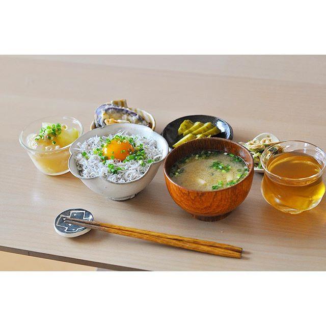 Instagram media by ayappe22 - *** July 13 (wed) , 2016 * いつかのお昼ごはん(*Ü*)ﻌﻌﻌ♥︎ 残り物ばかりなので、纏まりないですね ⍨⃝ *  #昼ごはん #おうちごはん #lunch #ランチ #ワンプレート #昼ご飯 #food #foodstagram #japanese #和食 #washoku #日本食 #彩ごはん #日々の暮らし #nikon #nikond90 #ニコンd90 #ニコン #yum #日々 #暮らし #末國清吉 #吉田千穂 #小山乃文彦 #穂屋工房 #前田祥子 #ひつじのてしごと