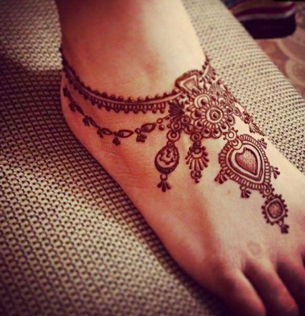 17 meilleures id es propos de mod les tatouages au henn - Dessin de henne pour les mains ...