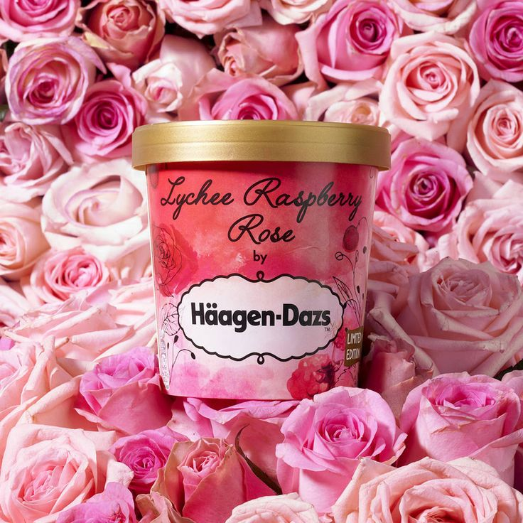 Glace lychee, raspberry, rose, Häagen-Dazs Les fans du mythique Ispahan de Pierre Hermé ne peuvent que se pâmer devant cette nouveauté signée Häagen-Dasz mêlant une crème glacée au litchi et rose, relevée de sauce framboise. Un délice parfumé entre force et douceur qui a tout bon.