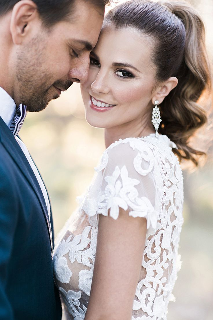 Modern wedding hair and makeup look with high ponytail | Kaitlin Maree Photography