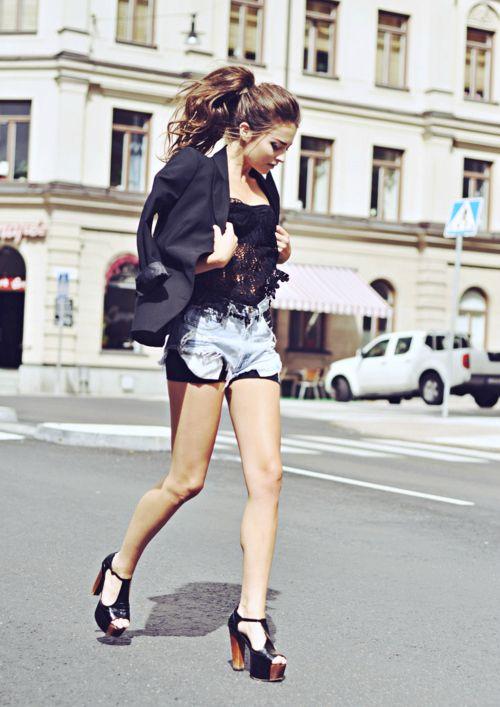 hair,shoes,shorts