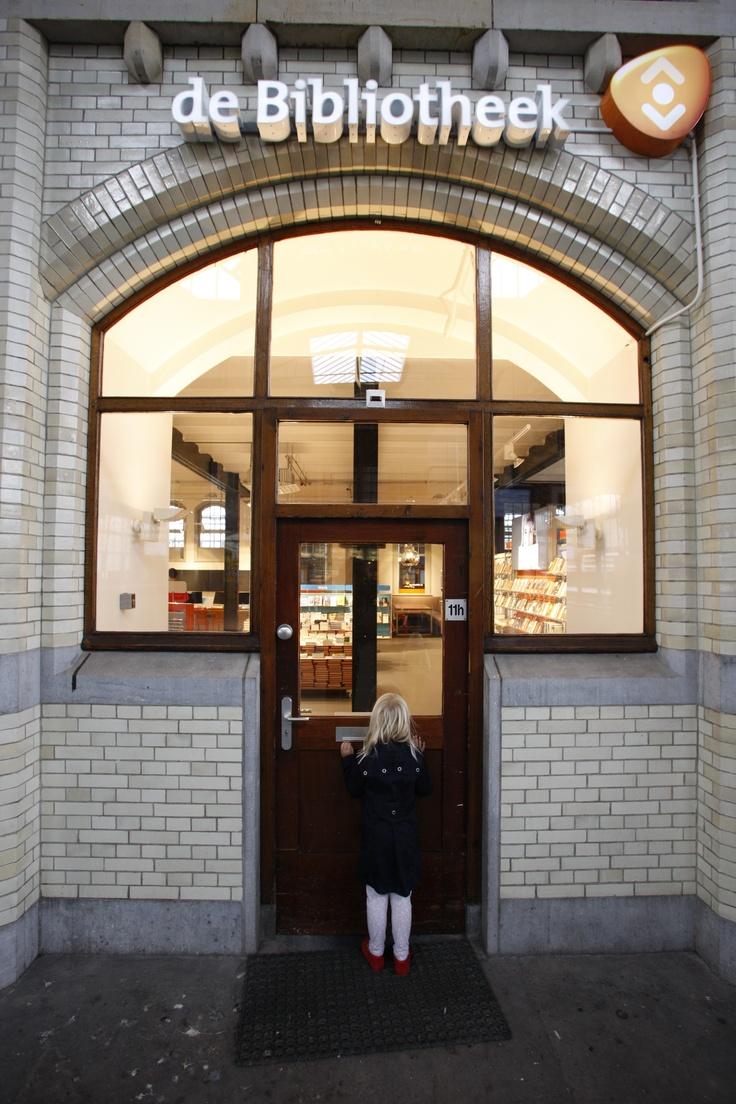 Welkom bij de Bibliotheek op het station. #Stationsbieb #TrainStationLibrary