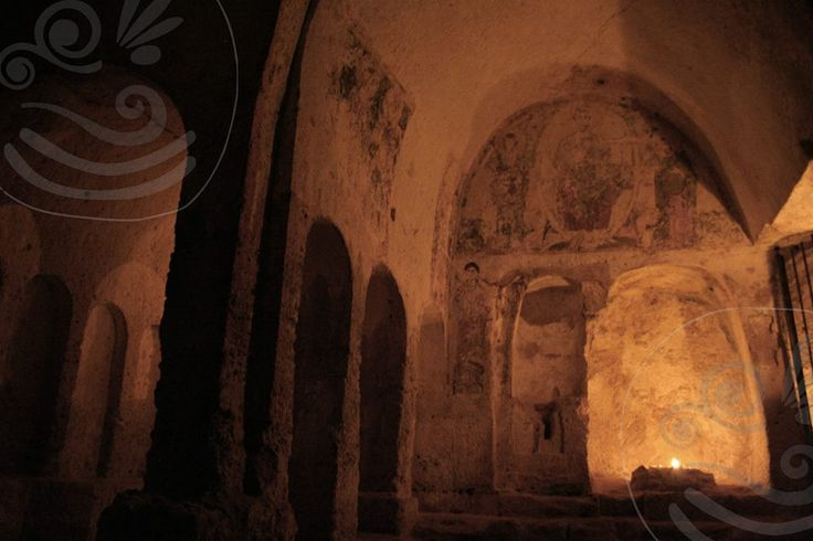 Dopo il tramonto, le luci delle #candele illuminano la parte più importante della chiesa di #lamadantico, il catino absidale con la scena della Deesis  *** After #sunset, the lights of #candls, light up the most important part of the #lamadantico church the apse with the Deesis's scene