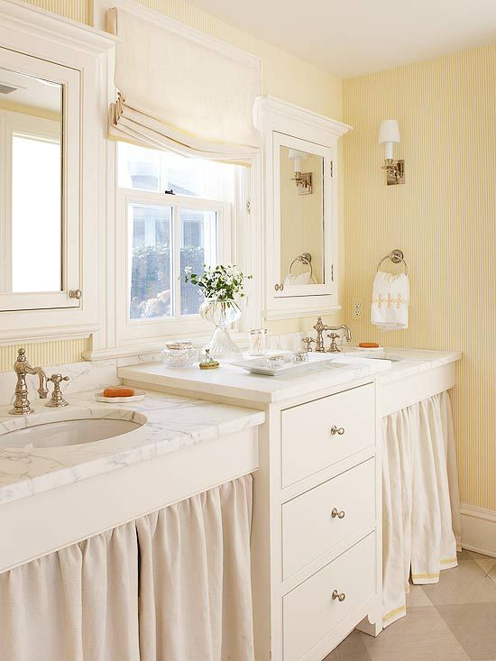 Pale Yellow And Blue Bathroom: Best 25+ Pale Yellow Bathrooms Ideas Only On Pinterest