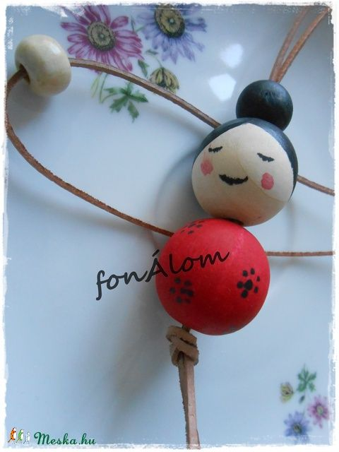 Meska - Kokeshi nyaklánc fonAlom kézművestől