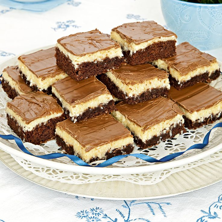 Smarriga Bountyrutor med choklad och kokos.