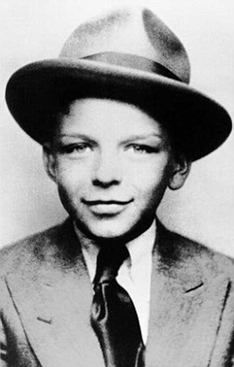 frank sinatra 40 Fotografias Históricas de Famosos em Crianças