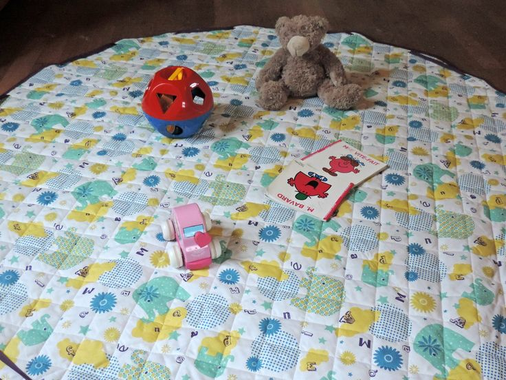 1000 id es propos de tapis de jeux sur pinterest livres en tissu livres de feutre et. Black Bedroom Furniture Sets. Home Design Ideas