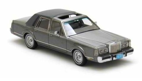 Neo Scale Models Lincoln Town Car In 1 43 Scale In Grey