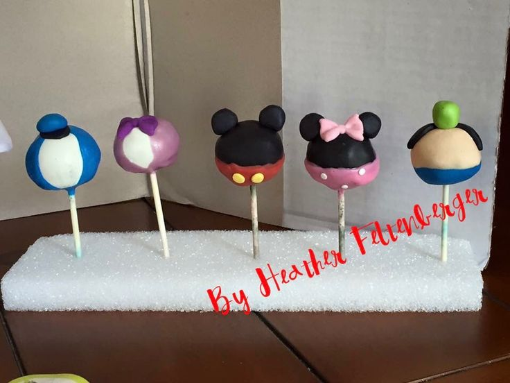 Disney Mickey Mouse, Minnie Mouse, Donald Duck, Daisy Duck, Goofy cake pops