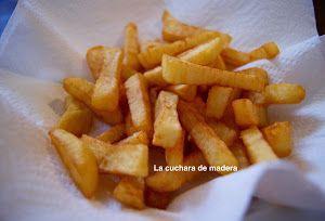 Consigue la textura perfecta para tus patatas fritas con el truco que te apuntan desde el blog LA CUCHARA DE MADERA.