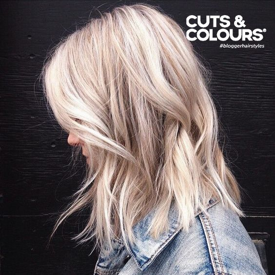 Loose waves: Losse golven zijn goed te creëren met de juiste stylingproducten. Laat je adviseren bij Cuts & Colours.