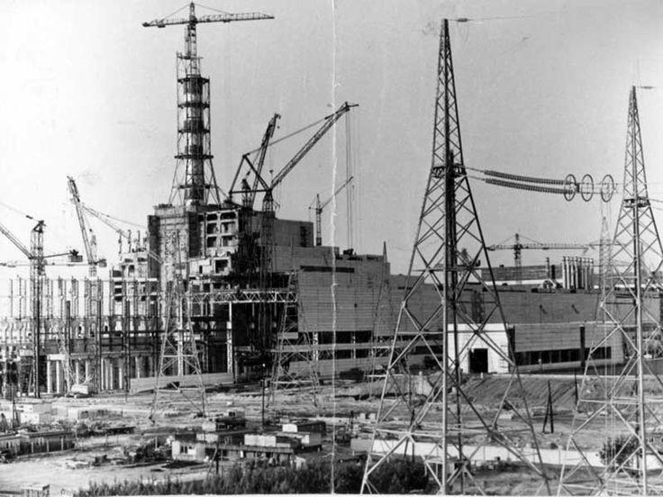 La centrale nucleare di Chernobyl in costruzione nel 1970.