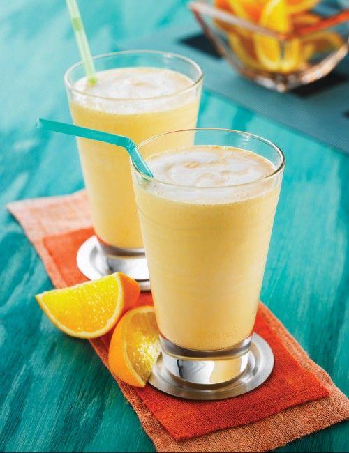 Batido de naranja y banana: licuá... 1 taza de jugo de naranja 1 taza de yogur de vainilla 1 banana ½ taza de hielo