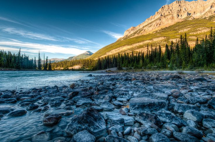 The Athabasca River in the Icefields Parkway. | 14 Sites In Alberta That Will Make You Feel Alive