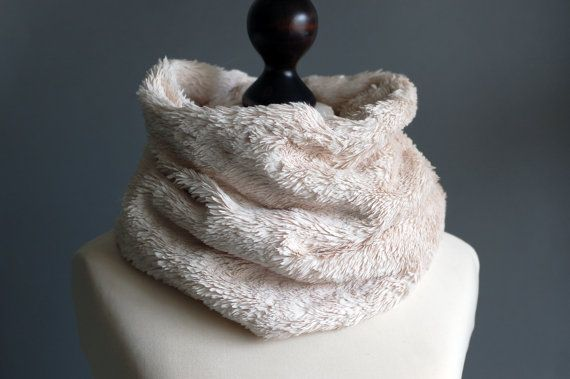 Hey, I found this really awesome Etsy listing at https://www.etsy.com/listing/207820924/faux-fur-snood-in-light-beige-faux-fur