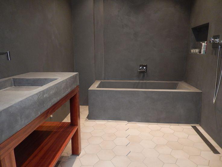 Mikrosement til betongvask og betong badekar.  Microcement on basin and concrete bath tub. Modern bathroom.
