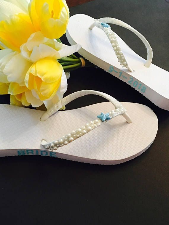 Bridal Flip Flops Wedding Flip Flops Wedding  Shoes Beach Wedding Shoes Bridal Shoes Sandals Bride Gifts #weddingshoes #flipflops